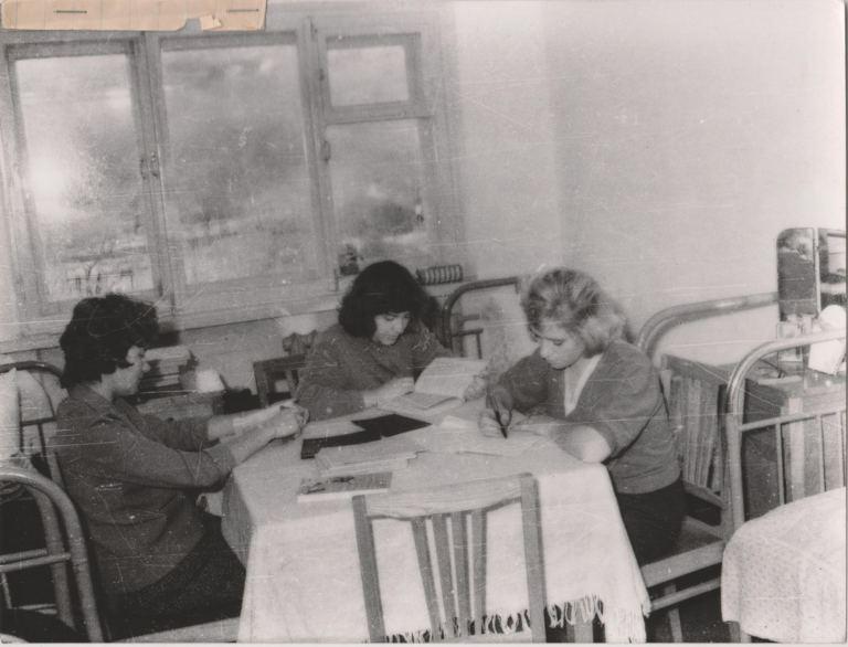 1970 год, студенты ДВГУ в новом общежитии