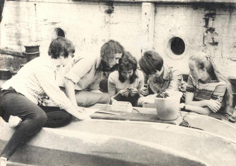 1974 год, студенты биологи на биостанции