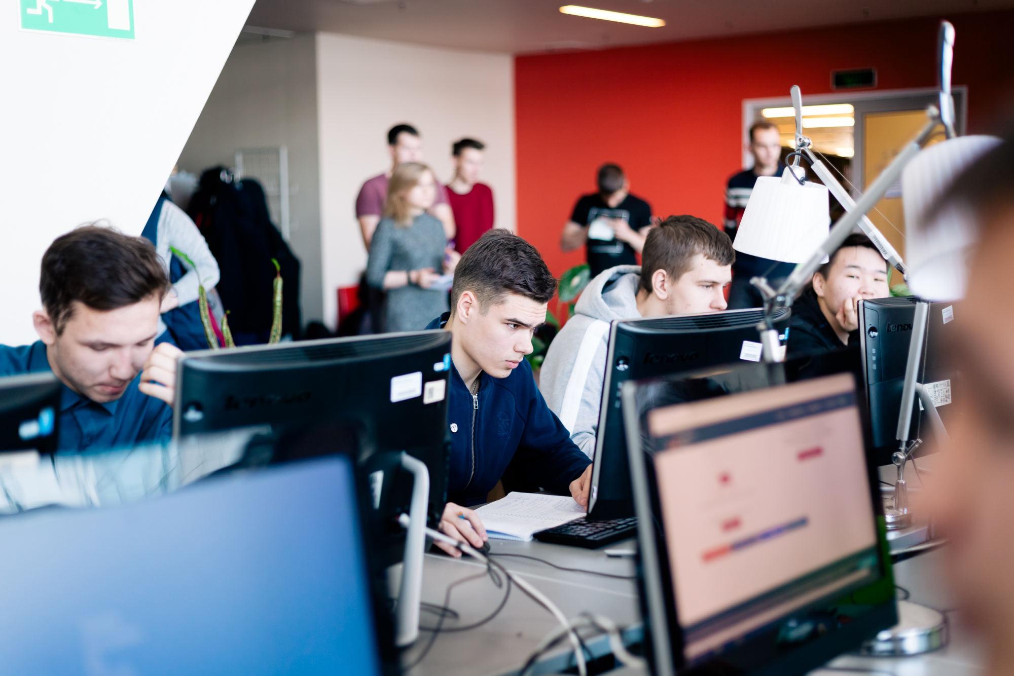 ШЦЭ проведет для гуманитариев мастер-классы по работе с VR и искусственным интеллектом